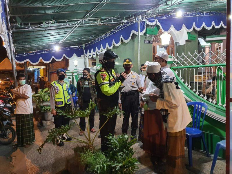 Wakapolresta Malang Kota Berkeliling Pantau Takbir Keliling dan Pos Check Point