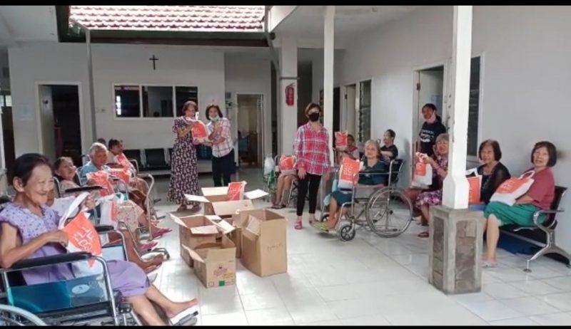 HARRIS Hotel & Conventions Malang Kembali Gelar Bakti Sosial ke Yayasan Pelayanan Kasih Bethesda Malang