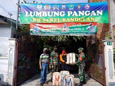 Babinsa Kodim 0833 Kota Malang Bantu Distribusikan Bantuan ke Lumbung Pangan