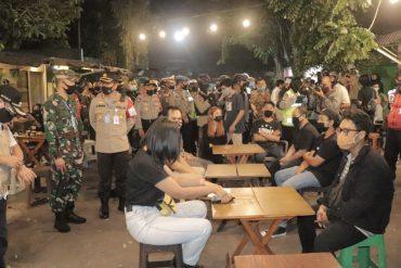 Salah Satu Pengunjung Cafe di Kota Malang Pingsan Saat di Rapid Test Patroli Gabungan