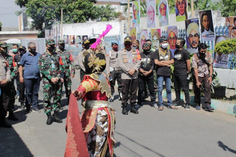 RW 1 Arjosari Tampilkan Foto Pahlawan TNI Polri di Kampung Tangguh Lumbung Gotong Royong