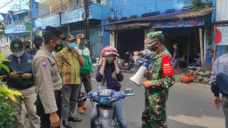 Operasi Yustisi Disiplin dan penertiban Protokoler Kesehatan Berikan Masker Gratis