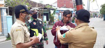 Operasi Gabungan Penertiban Protocoler Kesehatan Berikan Sosialisasi dan Masker Gratis