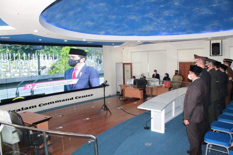 Dandim 0833 Kota Malang Ikuti Upacara Virtual Peringatan Hari Pahlawan dengan Irup Presiden RI Joko Widodo