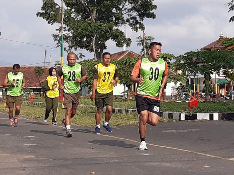 Prajurit Kodim 0833 Kota Malang Menjalani Tes Kemampuan Kesamaptaan Jasmani Garjas Periodik