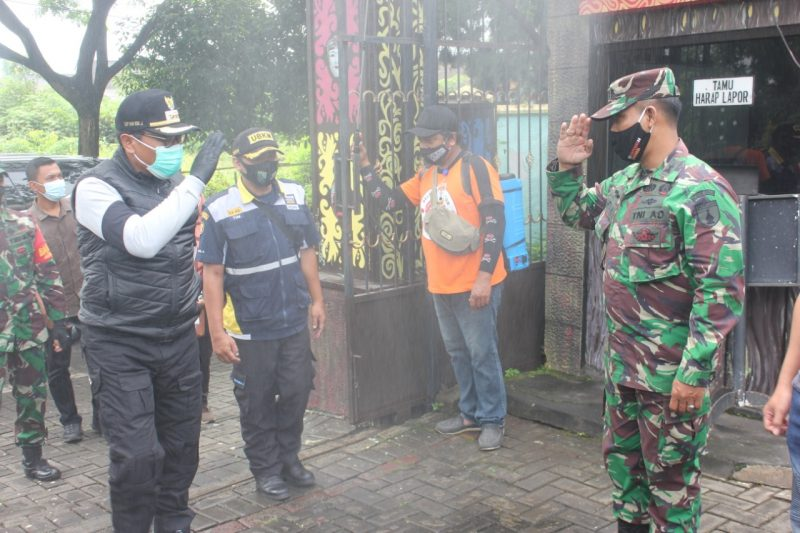 Koramil 0833/03 Blimbing Dampingi Wakil Walikota Malang Lakukan Penghijauan