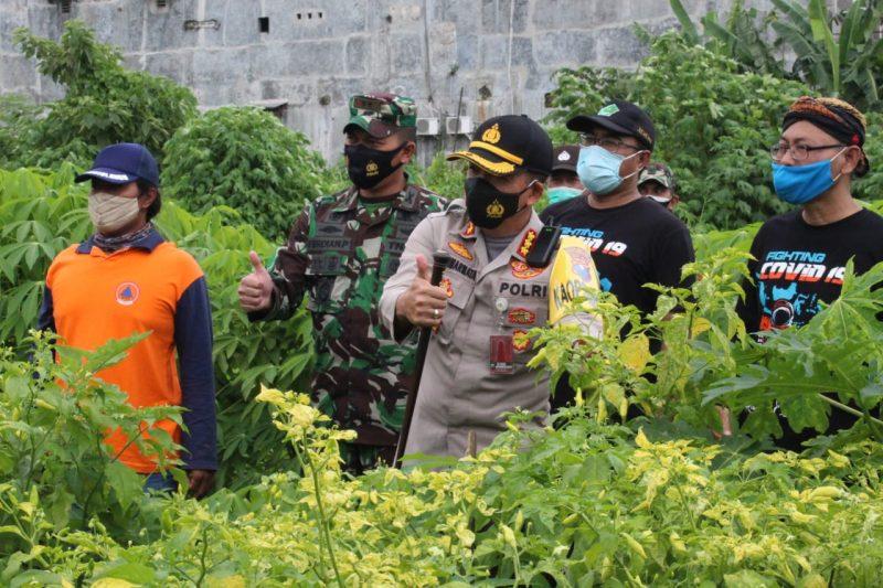 Kapolresta Malang Kota bersama Dandim 0833 Kota Malang Meninjau Kampung Tangguh Semeru Alba