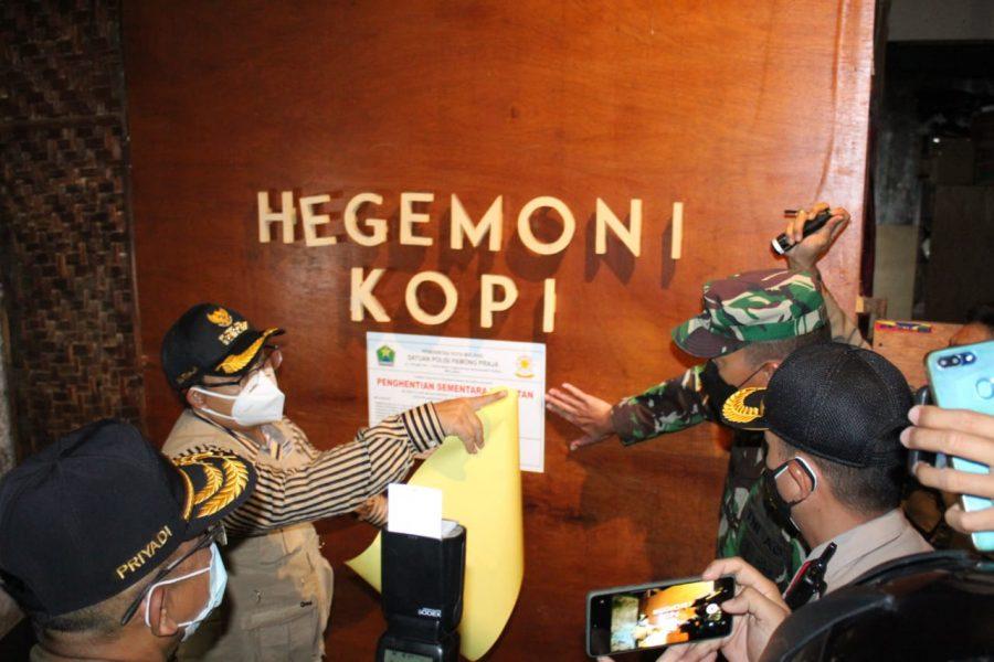 Kapolresta Malang Kota Bersama Dandim 0833 Kota Malang Tegur Pelaku Usaha yang Melanggar