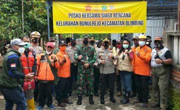 Kapolresta Malang Kota bersama Dandim 0833 Kota Malang Prihatin, Berikan Bantuan Korban Rumah Hanyut