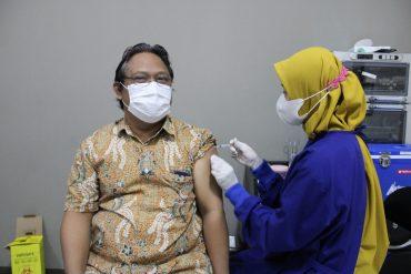 Dosen dan Staf ITN Malang Turut Sukseskan Vaksinasi Covid-19