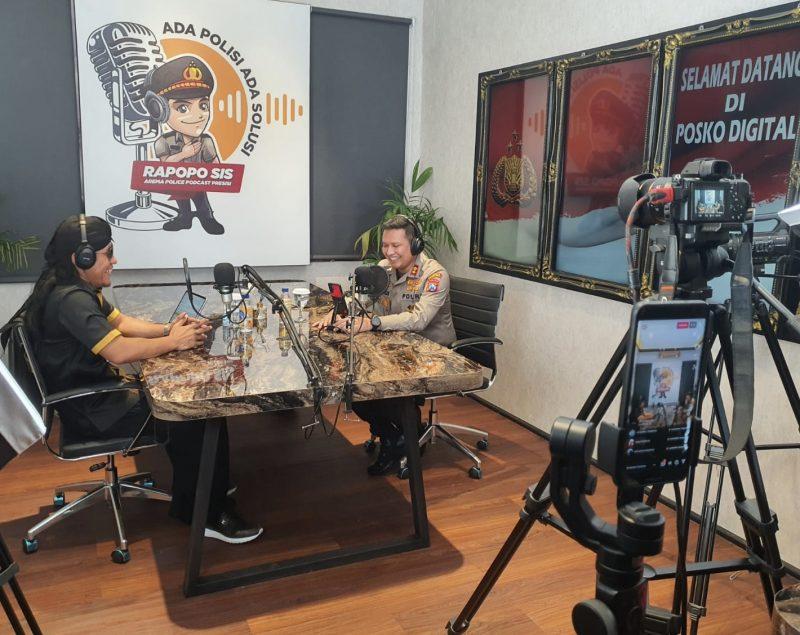 Polresta Malang Kota Undang Gus Miftah dalam Podcast Perdana Rapopo Sis